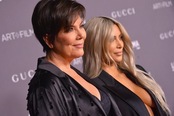 A socialite Kim Kardashian com a mãe, Kris Jenner (Foto: Getty Images)
