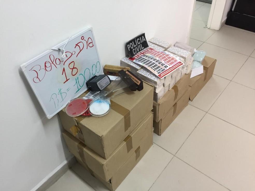 Cartelas de bingo apreendidas em Caruaru — Foto: Polícia Civil/Divulgação