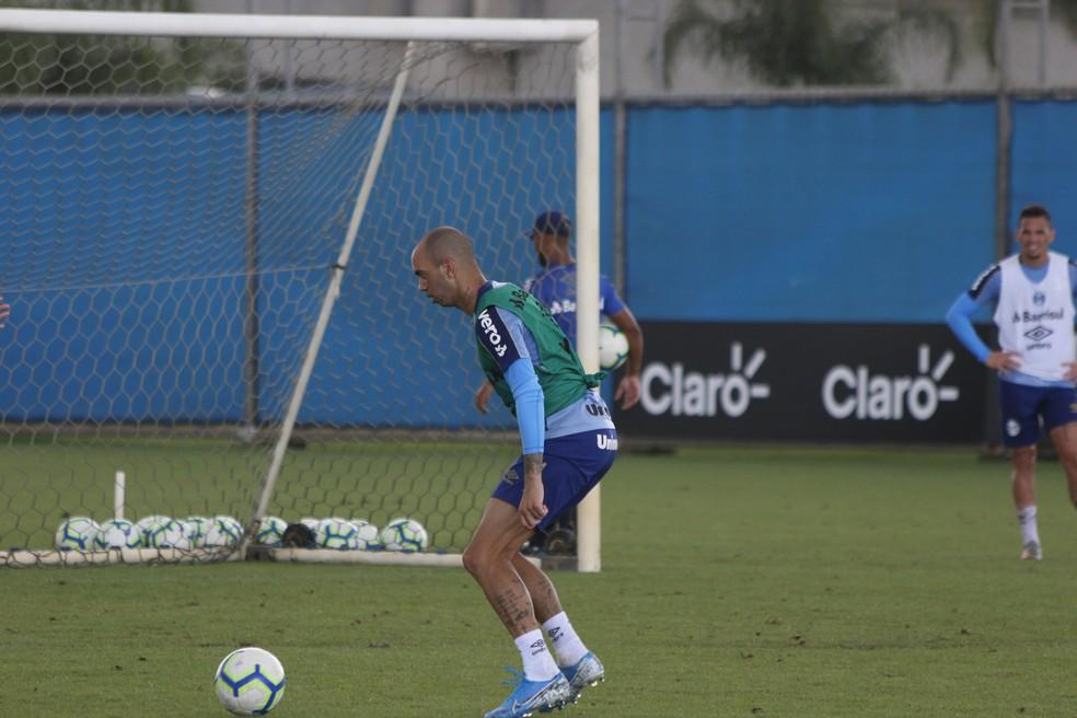 Diego Tardelli, atacante do Grêmio — Foto: Eduardo Moura