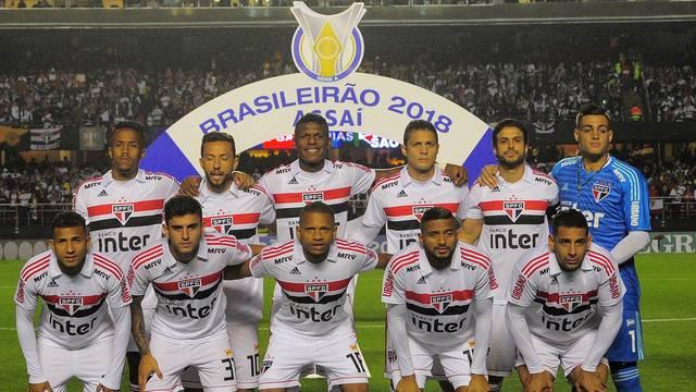 Jogadores do São Paulo na partida contra o Corinthians