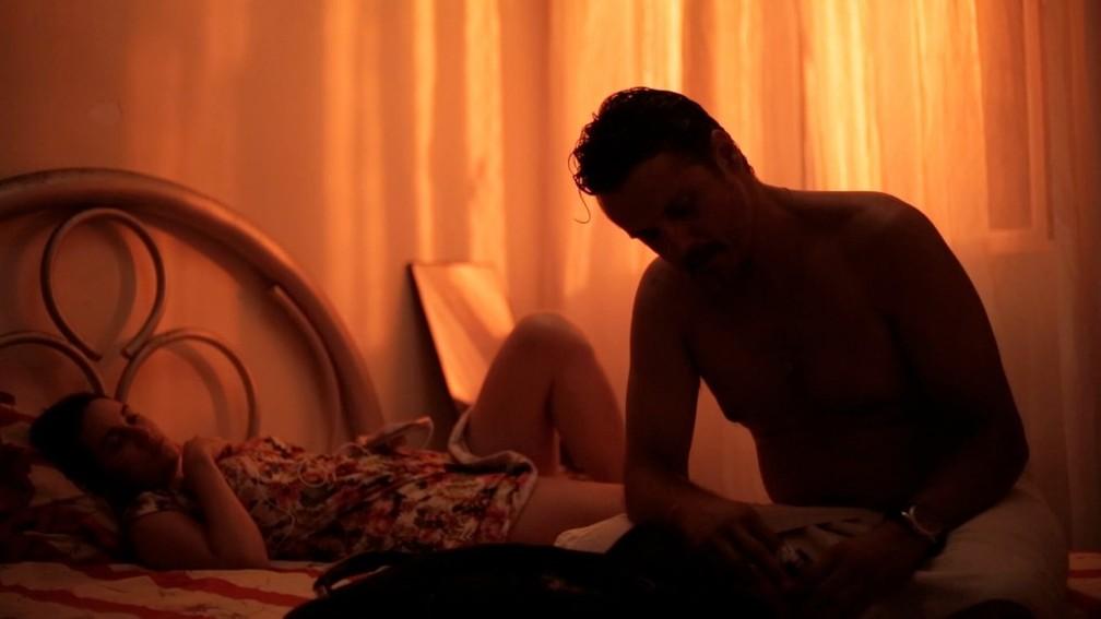 Trecho do curta 'As melhores noites de Veroni', exibido nesta segunda (18) (Foto: Liz Riscado/DivulgaAi??A?o)