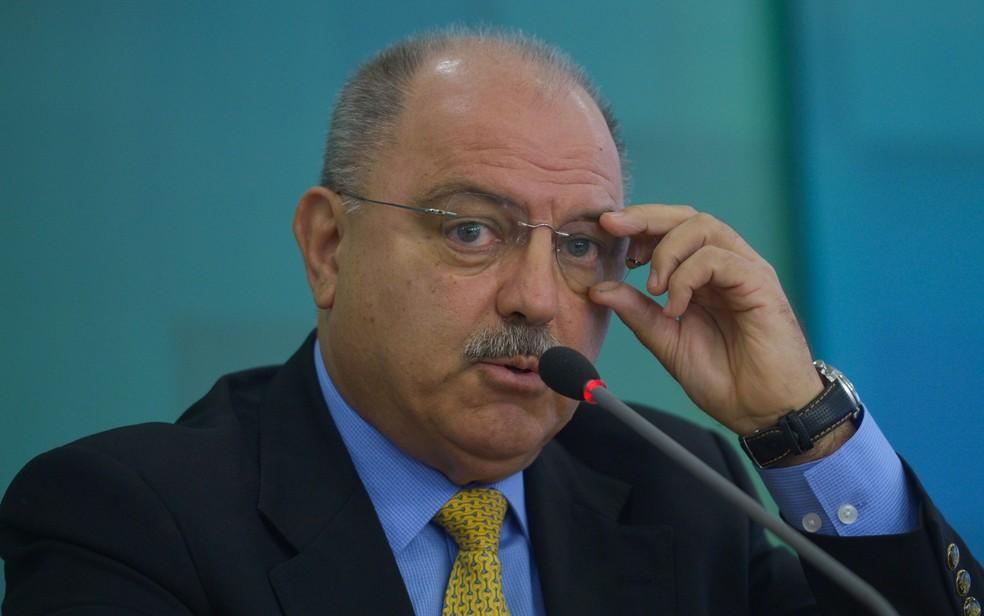O ministro do Gabinete de Segurança Institucional, general Sérgio Etchegoyen, disse que não vê nenhum militar pensando nisso.  (Foto: José Cruz/Agência Brasil)