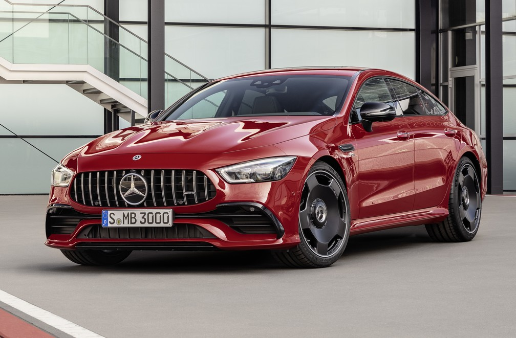 """Mercedes-AMG GT 43 é a versão """"básica"""" do superesportivo de quatro portas — Foto: Divulgação"""