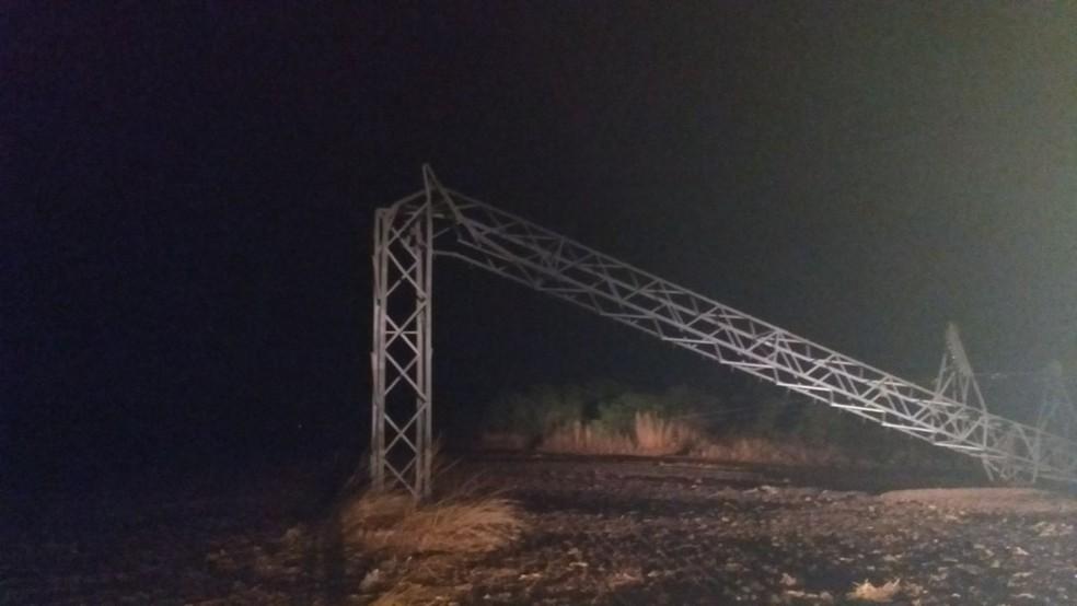 Equipes foram enviadas para reparo das estruturas, mas não há previsão de quando o serviço será reestabelecido (Foto: Divulgação)