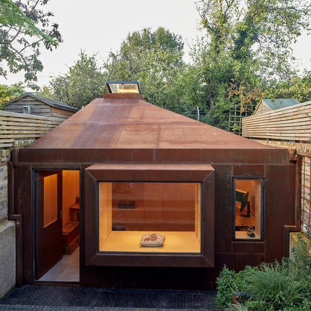 Home office no quintal: 15 projetos para inspirar (Foto: Edmund Sumner)