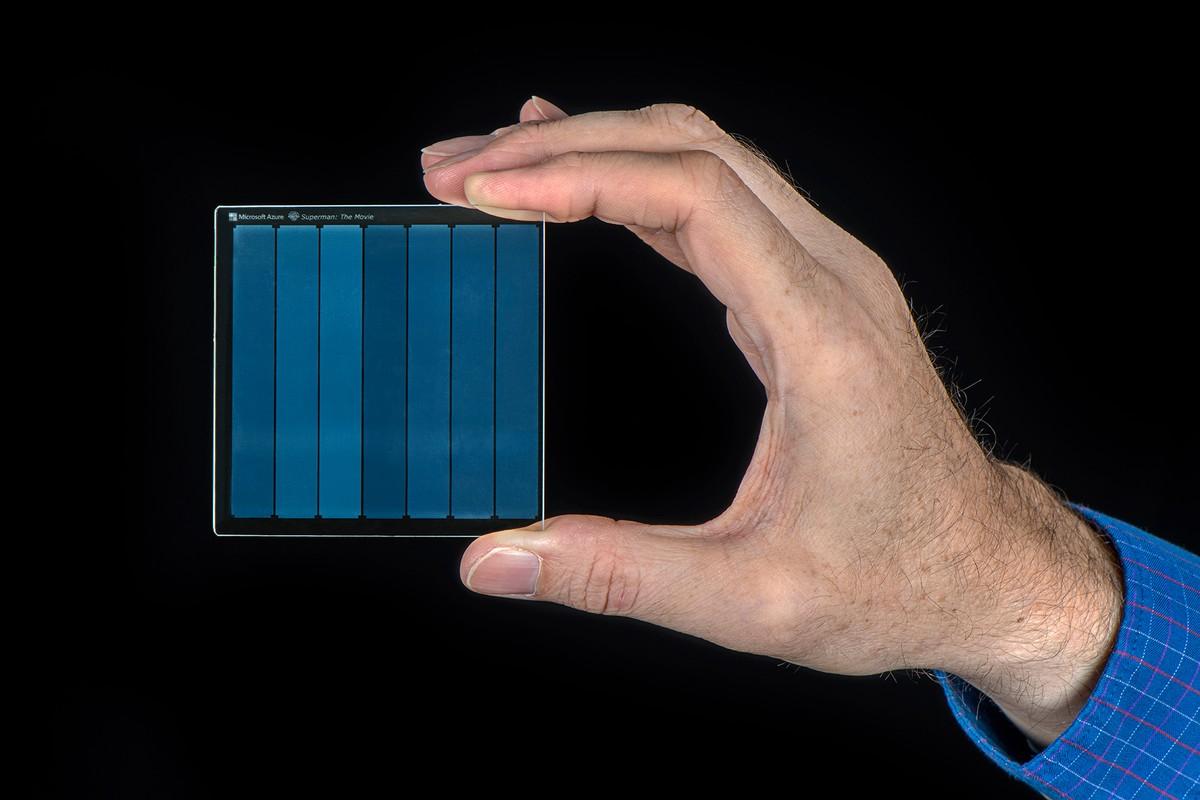 Microsoft grava filme do Super-Homem em um HD 'feito de vidro'