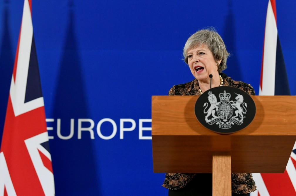 Theresa May, premiê do Reino Unido, durante reunião com líderes da União Europeia em Bruxelas — Foto: Piroschka Van De Wouw/Reuters