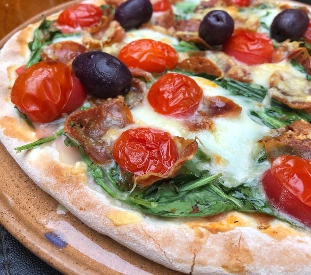 Pizza do Calabria, da Pizzaria Soggiorno (Foto: Guilherme Hungria/Divulgação)