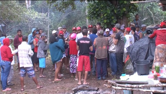 Famílias do Movimento Sem Terra ocupam fazenda no extremo sul da Bahia