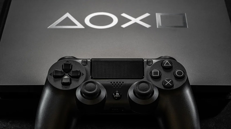 Assim como o DualShock 4 foi para o PS4, espera-se que o joystick do PlayStation 5 seja o DualShock 5 ? Foto: Reprodução/PlayStation Blog