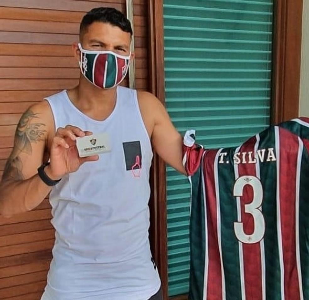 "Sonho da torcida do Fluminense, Thiago Silva diz em live: ""Tenho objetivos  para cumprir na Europa""   fluminense   ge"