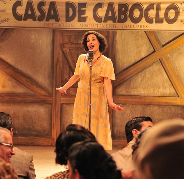 Heloísa Périssé na série 'Dercy de Verdade' (Foto: Divulgação/ Tv Globo)