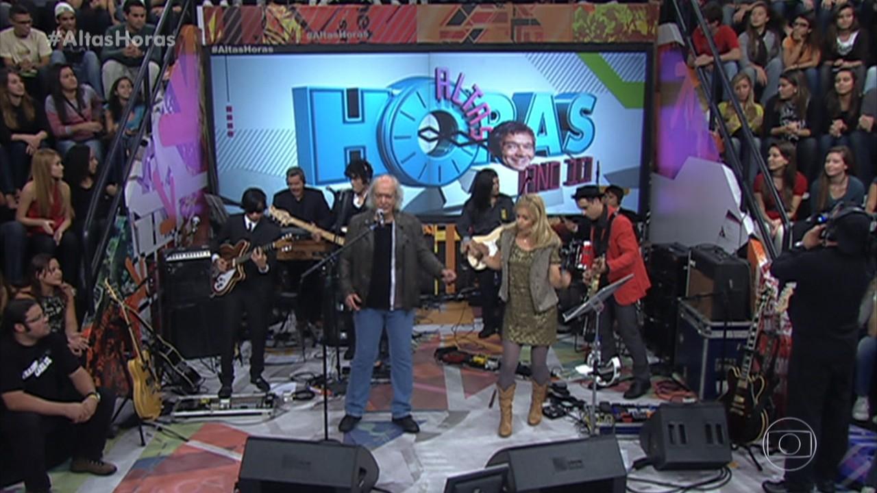 Erasmo Carlos e Paula Toller cantam 'Vem Quente que Eu Estou Fervendo'