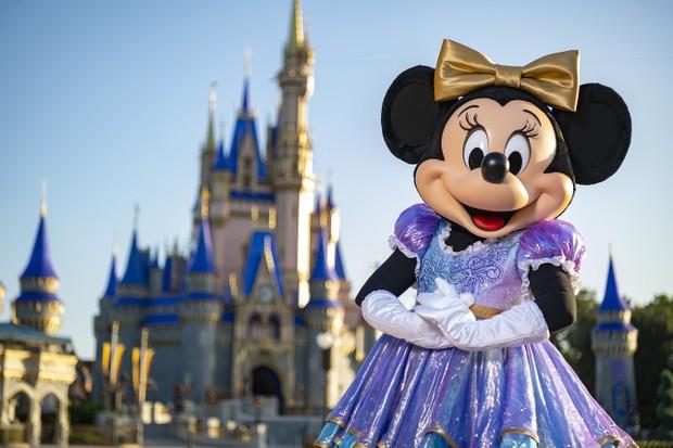 Minnie Mouse com look novo do aniversário de 50 anos do Walt Disney World  (Foto: Matt Stroshane/ Walt Disney World)