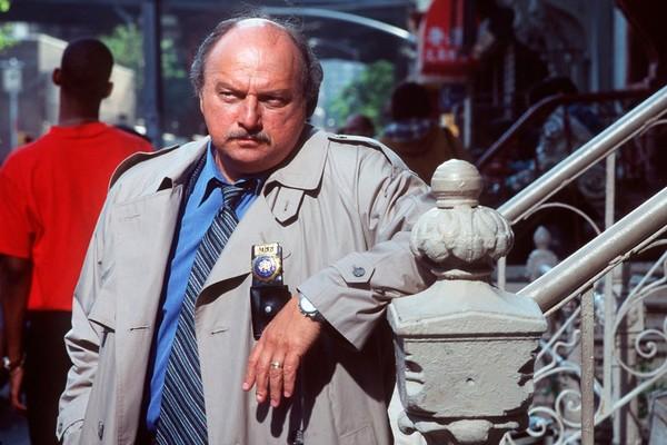 O ator Dennis Franz em cena de Nova York Contra o Crime  (Foto: Reprodução)