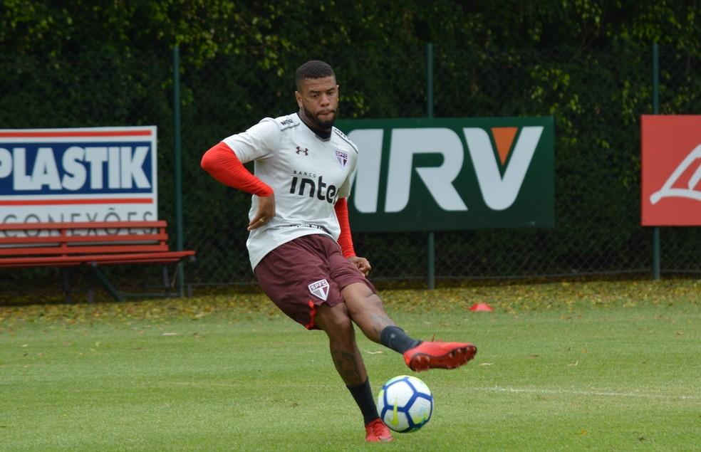 Junior Tavares durante treino no CT do São Paulo (Foto: Érico Leonan / saopaulofc.net)