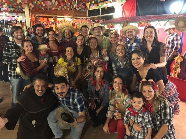 Fátima Bernardes e Túlio Gadêlha em festa de São João (Foto: Reprodução)