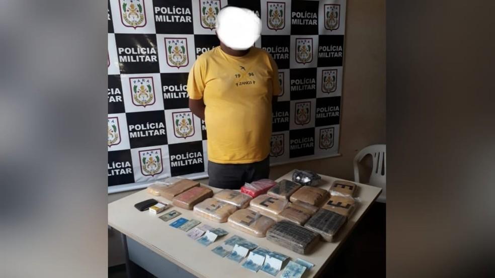 Entorpecentes e dinheiro foram encontrados nas bagagens de Luiz Baia, em Juruti — Foto: Polícia Militar/Divulgação