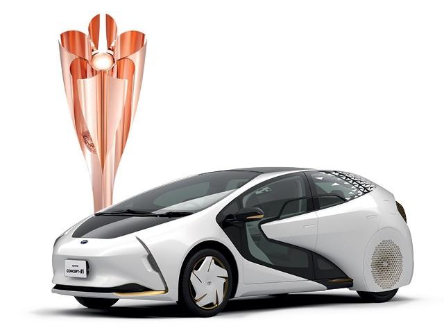O Toyota Concept-i, que é autônomo e tem visual futurista, participará dos eventos durante o revezamento da tocha olímpica  (Foto: Divulgação)