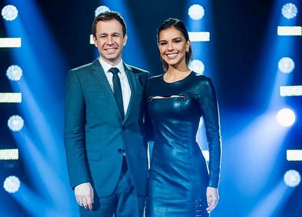 Mariana Rios e Tiago leifert no The Voice Brasil (Foto: Reprodução/Instagram)