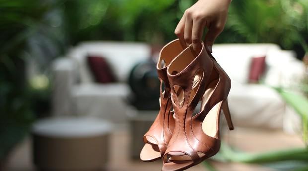 Em seu novo momento, a Di Pollini criou uma linha de calçados femininos. (Foto: Divulgação)