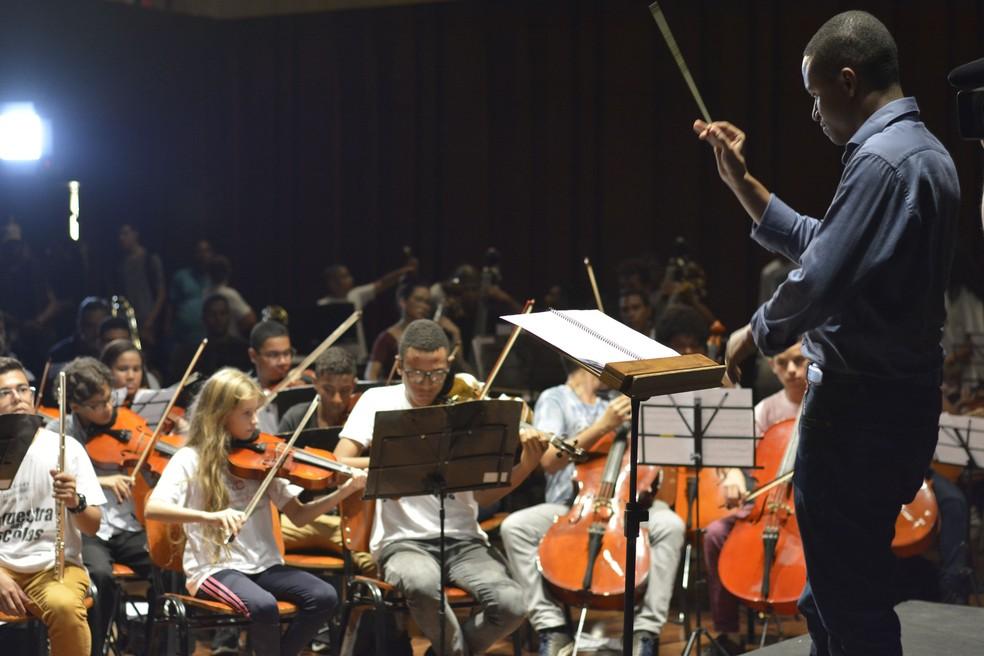 Orquestra Sinfônica Juvenil Carioca (Foto: Hélio Melo/SME)