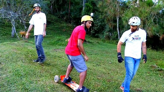 Rovany Araújo foi desafiado a experimentar a adrenalina do montainboard
