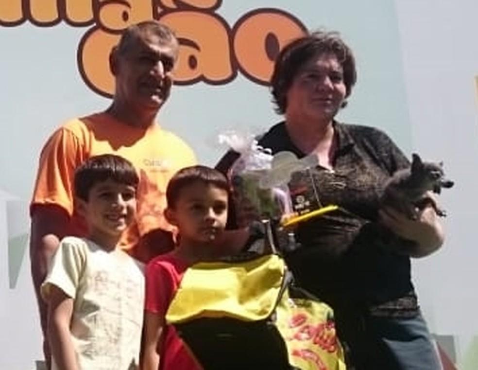 Pinscher de 24 centímetros ganha prêmio de menor cão no Estimacão em Rio Preto  — Foto: Francielle Souza/G1