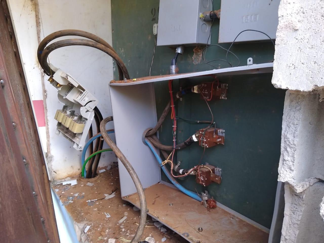 Vândalos danificam caixa de energia em poço e prejudicam abastecimento de água em Bauru