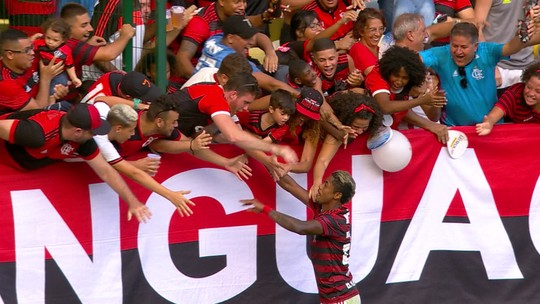 Diego dá belo passe para Bruno Henrique fazer mais um no Fla-Flu