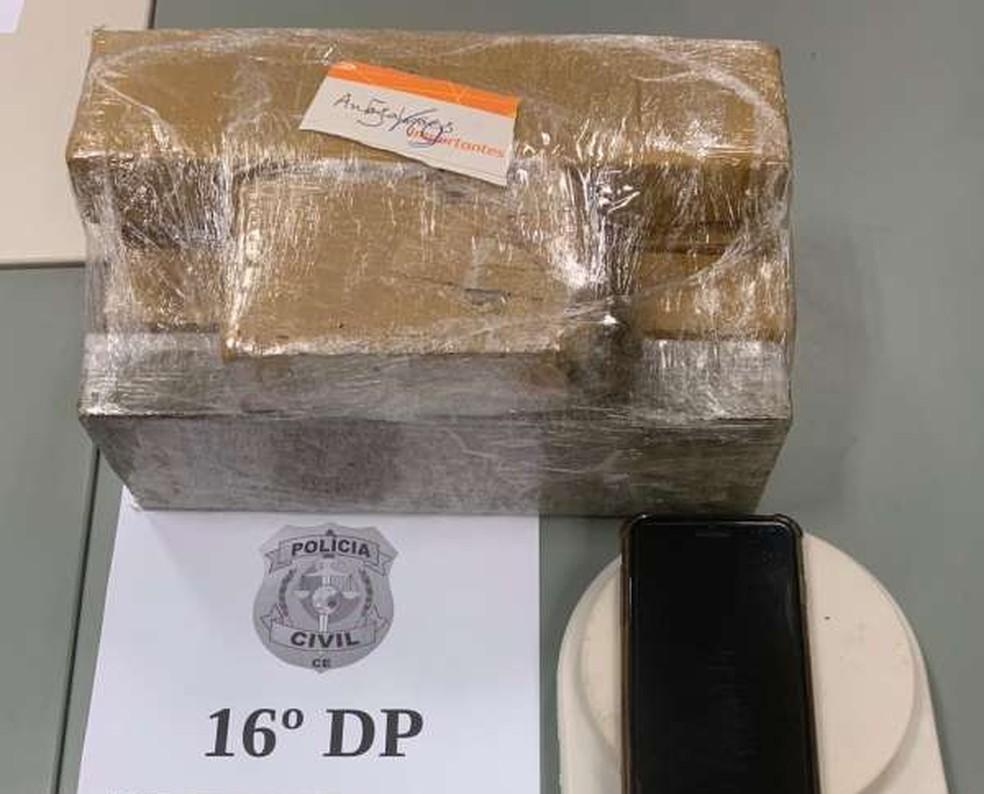 Material apreendido foi levado para o 16º Distrito Policial — Foto: Divulgação/Polícia Civil
