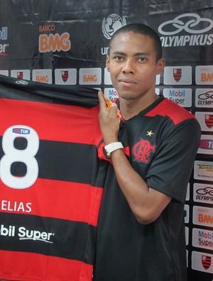 Elias toma Corinthians como exemplo: 'Fla pode fazer igual'