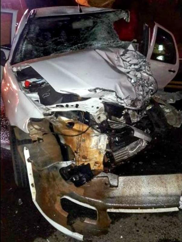 Mulher morre e outras três ficam feridas em batida entre carro e caminhonete - Noticias