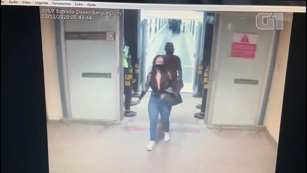 Modelo paraibana Lourrayne Silva com suspeito de assassinato no aeroporto em Bayeux, na Paraíba — Foto: Divulgação/Polícia Civil da Paraíba