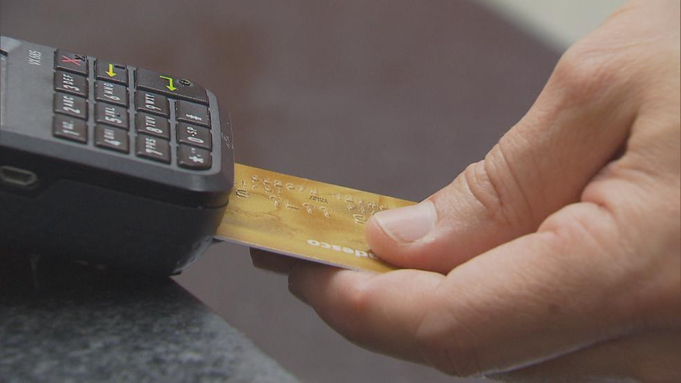 Justiça do Trabalho do Paraná orienta bloqueio de cartões de créditos de devedores (Foto: TV Globo/Reprodução)