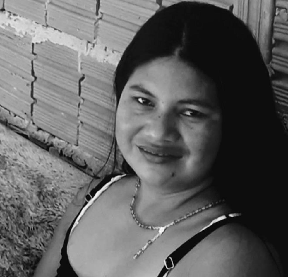 Indígena Marinalva Zaquimae Corezomae, de 33 anos, foi morta a tiros em Mato Grosso — Foto: Facebook