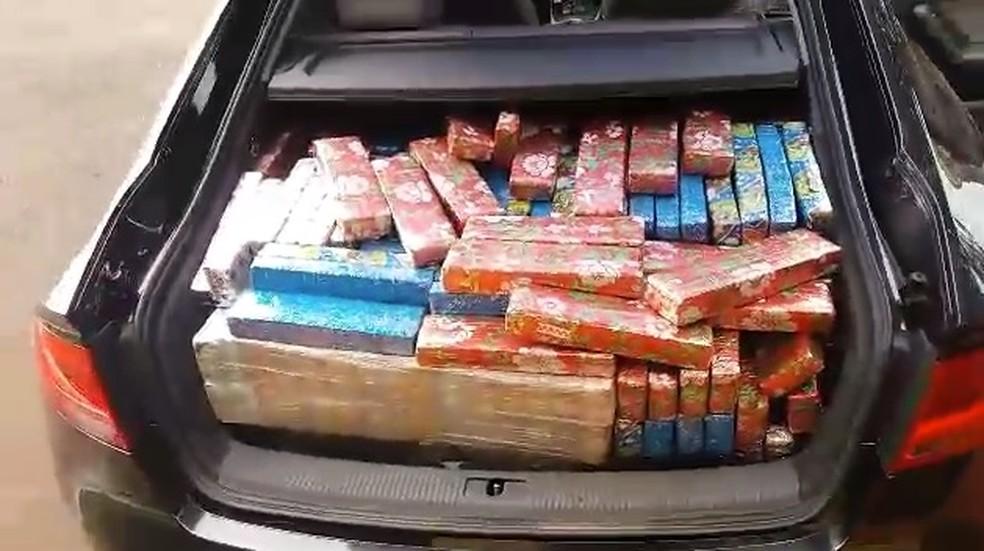 PRF apreende meia tonelada de droga embalada em papel de presente de Natal  — Foto: Reprodução/PRF