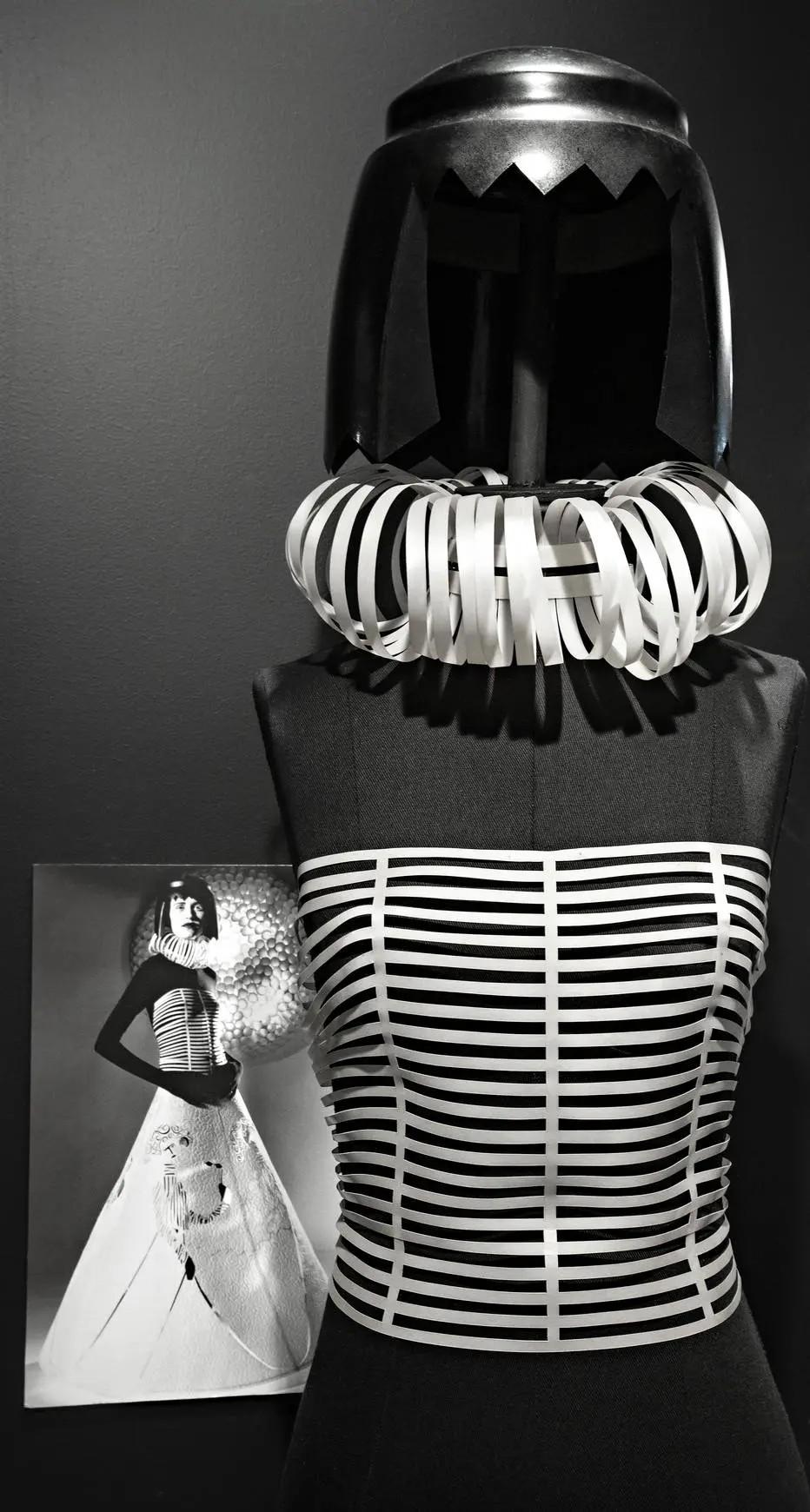 Corset da coleção A Costura do Invisível, de Jum Nakao (Foto: Fifi Tong/Divulgação)