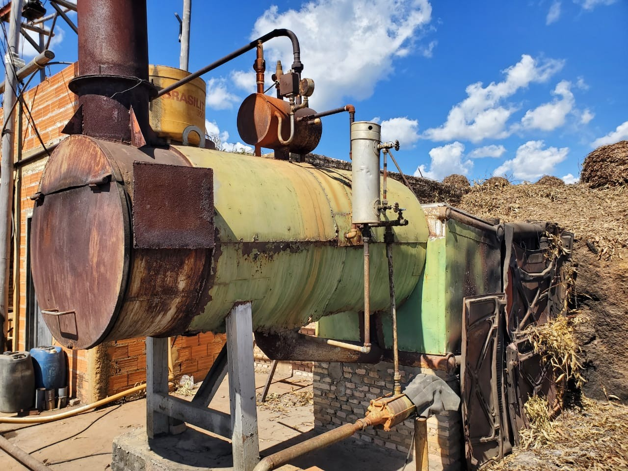 Auditoria fiscal do trabalho interdita caldeiras de 13 fábricas de extração de óleo de eucalipto por risco de explosão