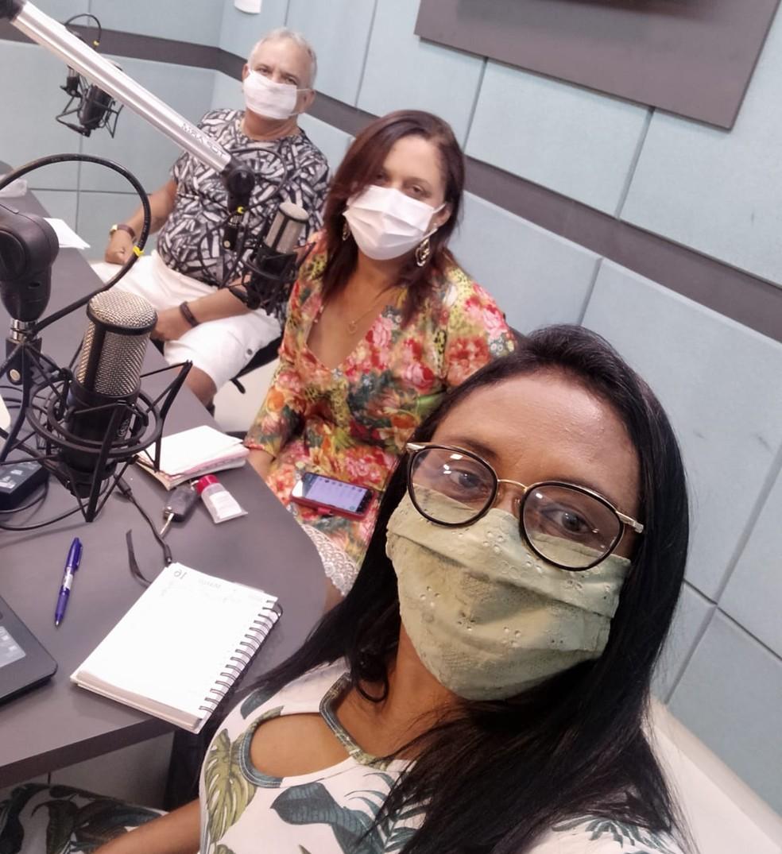 Iaponira Costa (de óculos) é uma das mediadoras do programa — Foto: Cedida