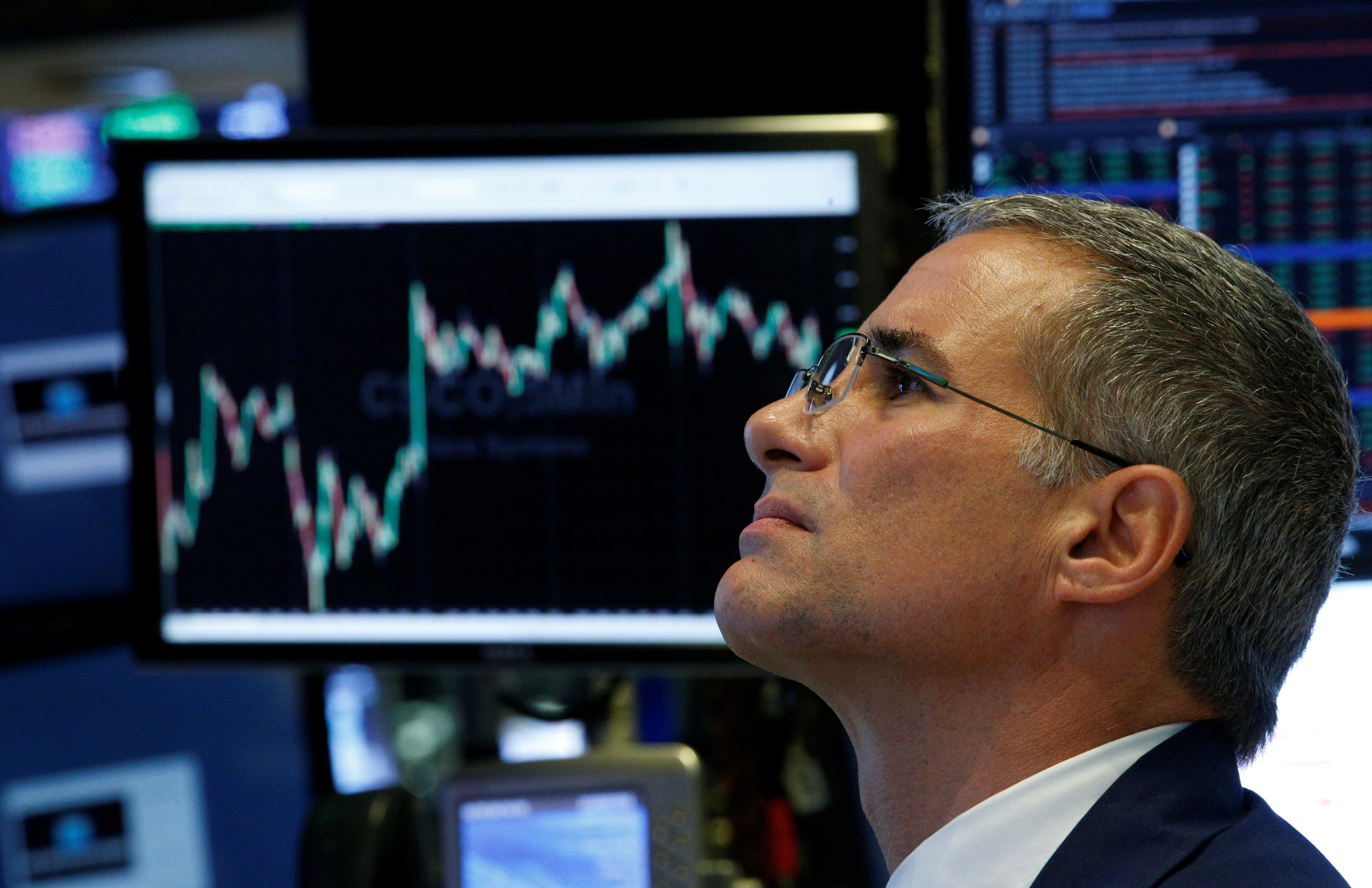 Bolsas dos EUA encerram em forte baixa com temores de desaceleração da economia
