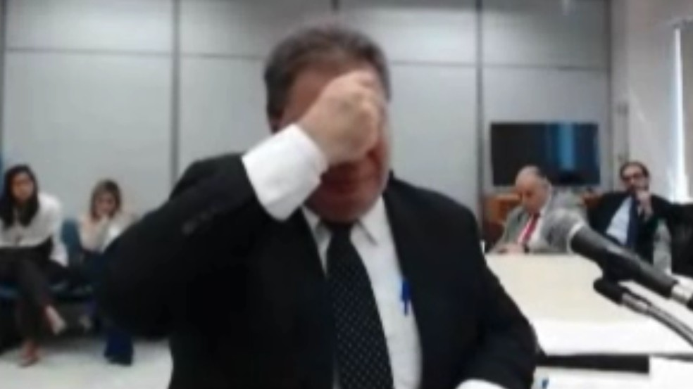 Gim Argello chora durante depoimento — Foto: Reprodução