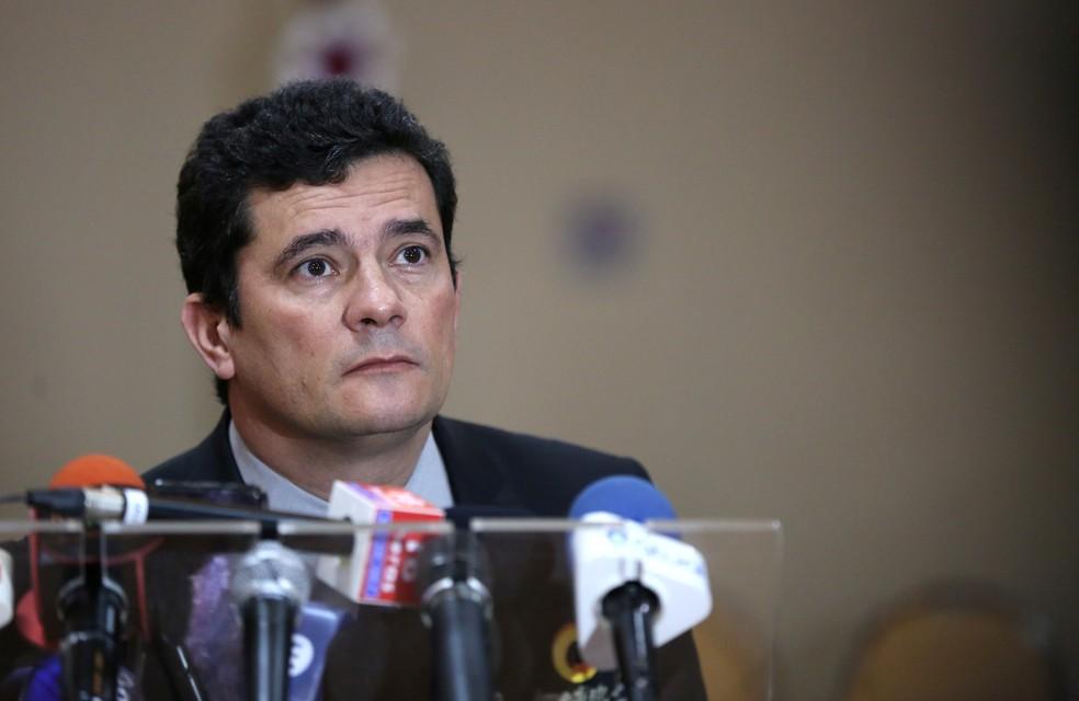 Ministro da Justiça, Sérgio Moro, durante entrevista coletiva em Manaus — Foto: Bruno Kelly/Reuters