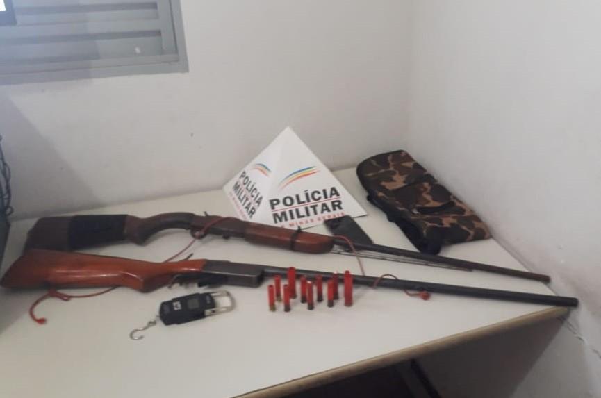 Atirador é preso com duas espingardas na zona rural de Ituiutaba