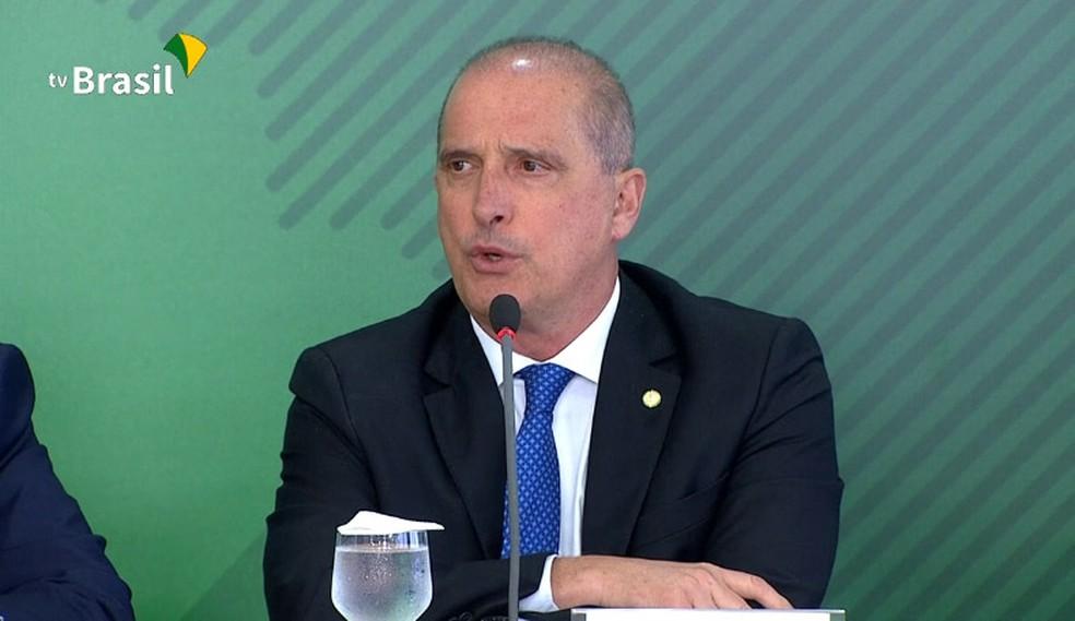 O ministro da Casa Civil, Onyx Lorenzoni, da Casa Civil, durante entrevista coletiva no Palácio do Planalto, em abril — Foto: Reprodução/TV Brasil