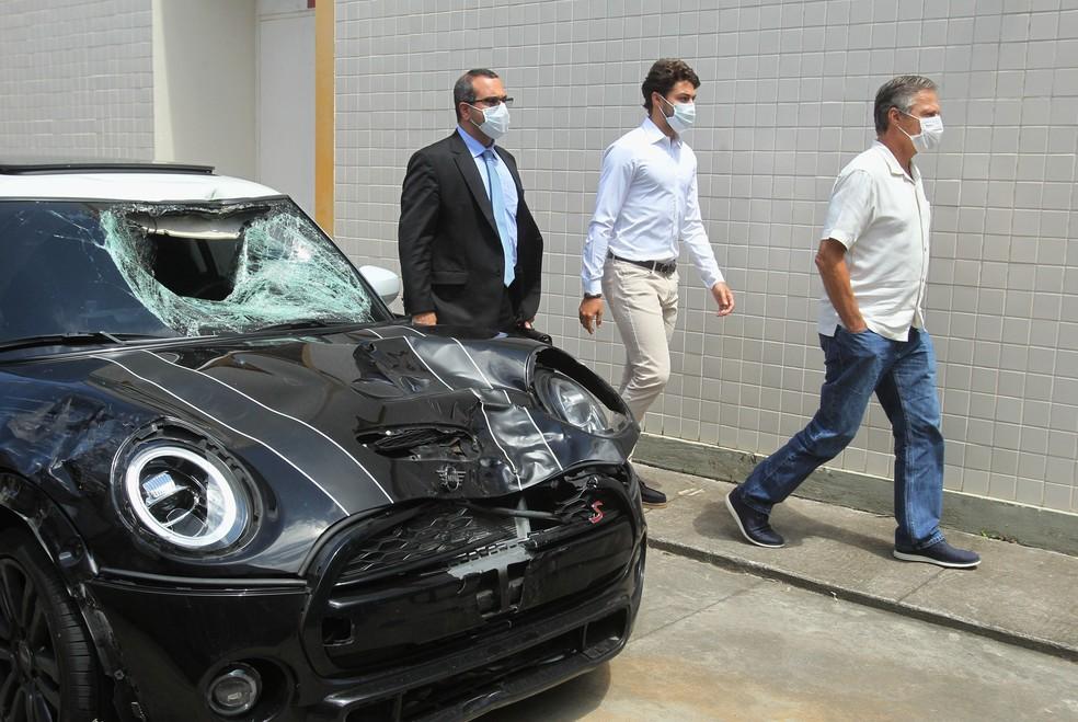 Marcinho, ex-lateral do Botafogo e seu pai, Sérgio Lemos de Oliveira, prestam depoimento na 42º DP (Recreio), nesta segunda-feira (04).  — Foto: ESTEFAN RADOVICZ/AGÊNCIA O DIA/AGÊNCIA O DIA/ESTADÃO CONTEÚDO