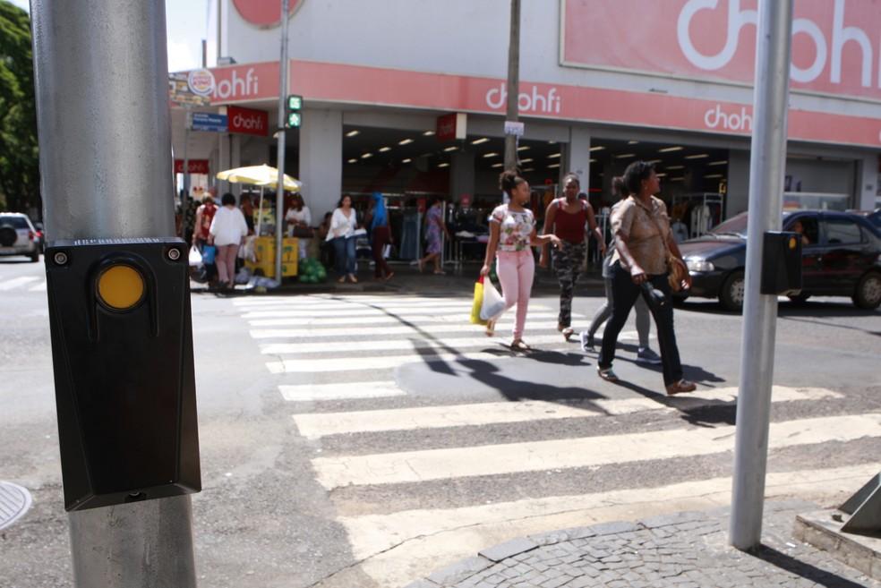 Botoeiras acessíveis são testadas em semáforos de Uberlândia — Foto: Prefeitura de Uberlândia/ Divulgação