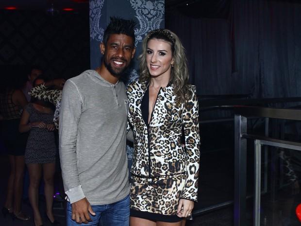 Léo Moura e Camila Silva em festa no Rio (Foto: Raphael Mesquita/ Foto Rio News)