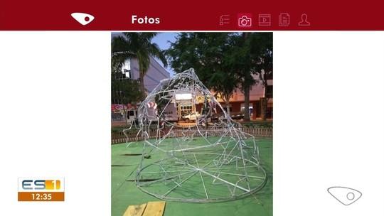 Árvore de Natal é destruída em praça de Afonso Cláudio, ES