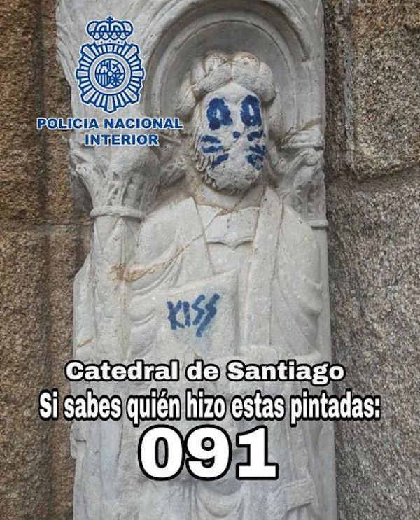 Um comunicado da polícia espanhola pedindo informações sobre o autor do vandalismo inspirado na banda Kiss (Foto: Divulgação)